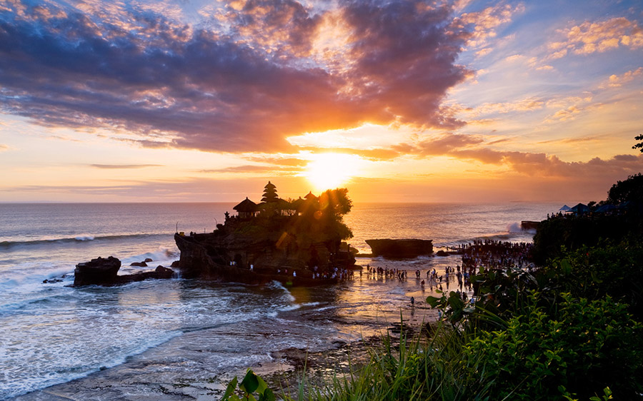 Bali A1 Driver Sunset at Tanah Lot Temple - Bali Driver